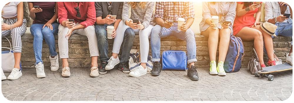 Middelbare scholieren op social media